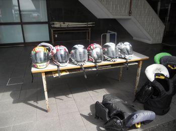 ヘルメットとカボック.jpg
