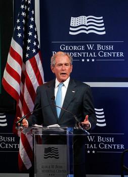 George+W+Bush+Former+President+George+W+Bush+U7Vy66X8A37l.jpg